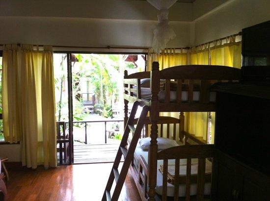 Royal Lanta Resort and Spa : Bunk beds for kids = fun!