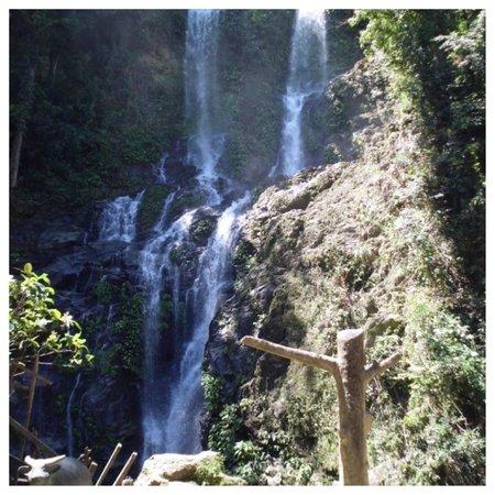 Tamaraw Waterfalls: Smukt og forfriskende