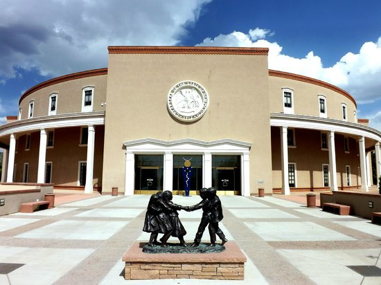 New Mexico State Capitol (Roundhouse)