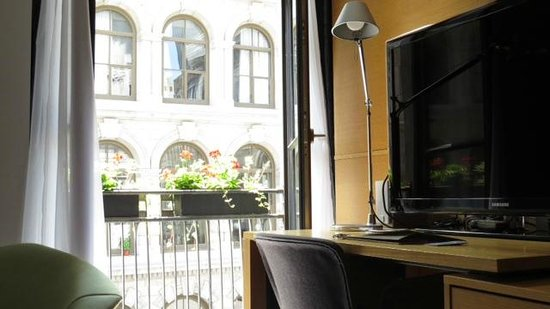 Hotel Gault: Room