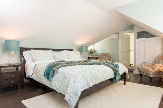 The Parsonage Inn: Ladyewood,stylish and chic, with a king sized bed