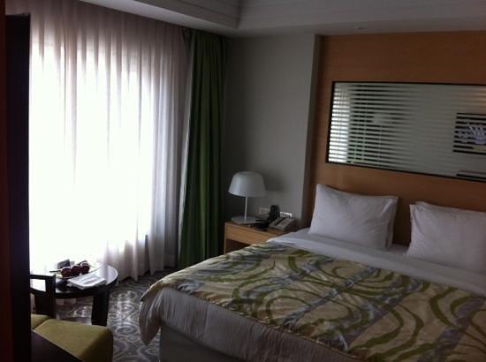 Radisson Blu Hotel Ahmedabad: bed