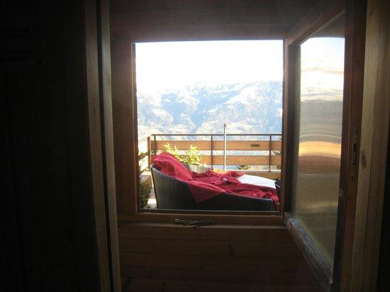 Zeit & Traum Hotel: Von der Saune auf den Balkon mit Rundliege