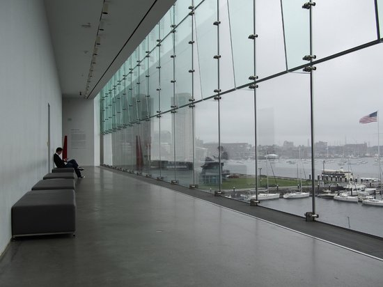 The Institute of Contemporary Art : View from the 4th floor walkway onto the harbor area
