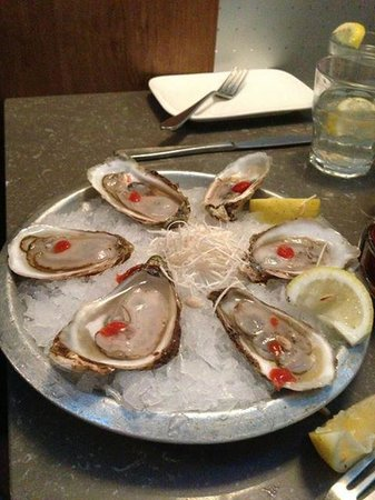Diana's Oyster Bar & Grill: Malpeque oysters