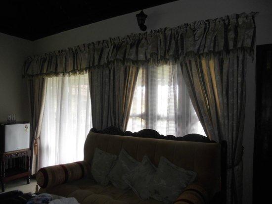 Palm Tree Heritage: Room furniture