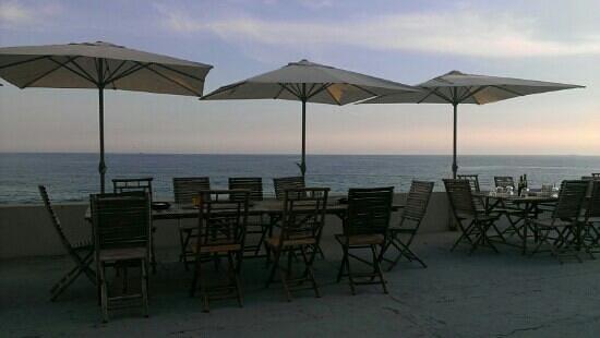 La Marinetta: vista dal ristorante con apparecchiata al tramonto