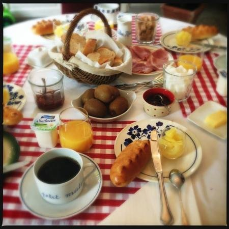 Le Petit Matin : Lovely breakfast