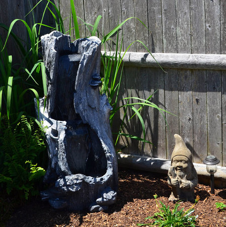 Admiral's Landing : The fountain on our patio