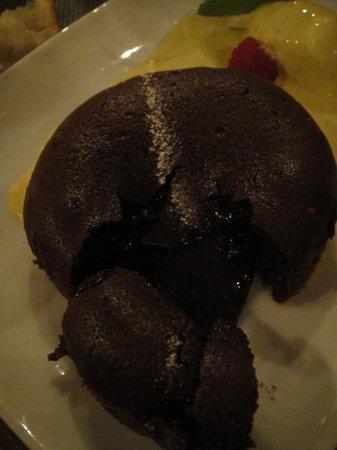 Geoffroy l'Olive : Le moelleux au chocolat noir intense coulant a souhait *+!!!