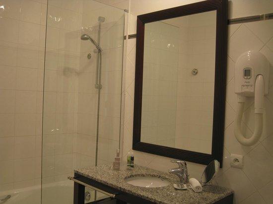 La Villefromoy : prima Badezimmer