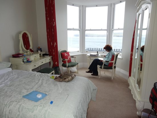 Waters Edge B & B : Our double room one floor above main floor - there is even a 2nd bed not in photo