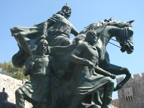 Saladin (Selahedîn) Statue: Selahaddini Eyyubi Grand  grand father of Bedirhani