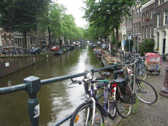 Quentin Arrive Hotel: El canal más cercano al hotel