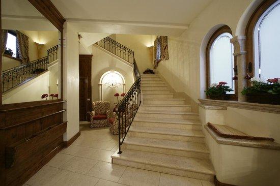 Hotel europa residence asiago italien omd men och for Asiago residence