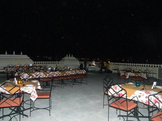 Jaisingh Garh: Roof top restaurant