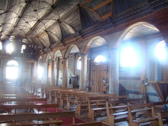 Iglesia Santa Maria de Loreto : Interior da ingreja