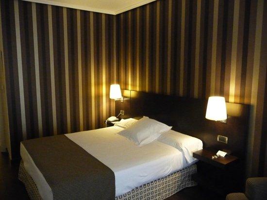 Hotel Conde Duque Bilbao: Quarto do hotel