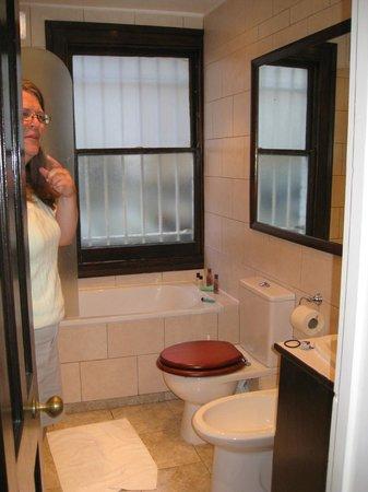 La Gaffe : plenty of room, plus a window--love a window in a bath!