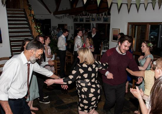 Am Birlinn: Dancing