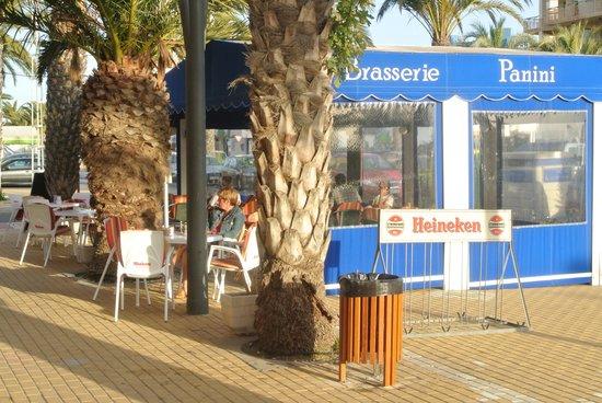 Brasserie Panini: op het terras