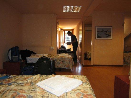Dimora Serenissima: Habitación compartida