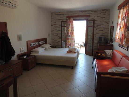 Plaka Beach Hotel: Doppelzimmer