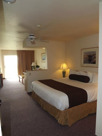 BEST WESTERN Lighthouse Suites Inn: Bedroom