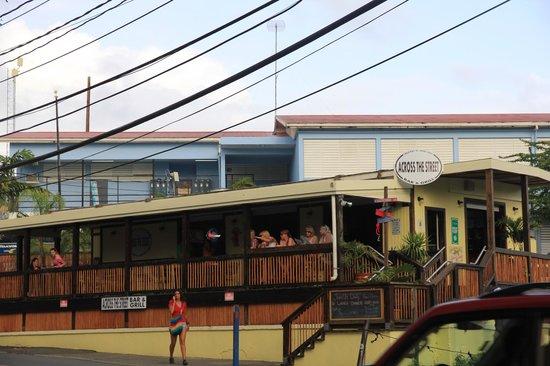 Across the Street Bar & Grill: Across the Street