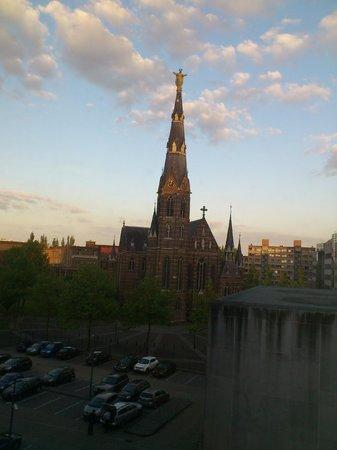 Pullman Eindhoven Cocagne: Church