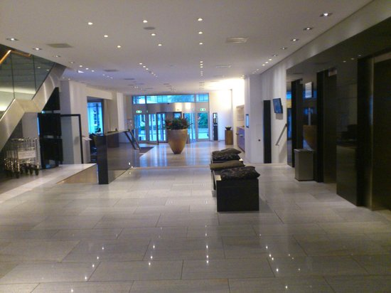 Pullman Eindhoven Cocagne: Lobby