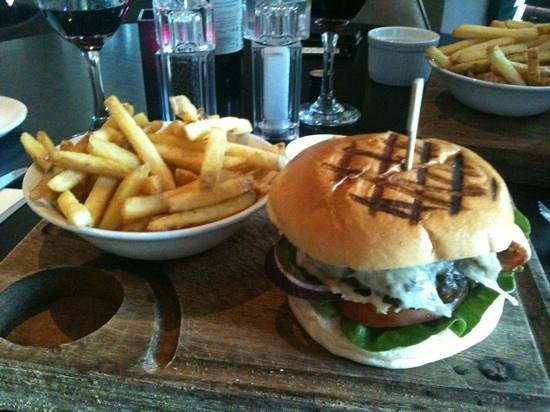 Village Hotel Leeds South: burger and fries!