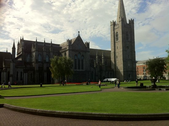 Clontarf Castle Hotel: Visit to St Patrick's Catherdral