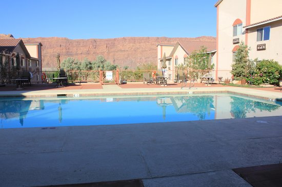 Aarchway Inn: piscine
