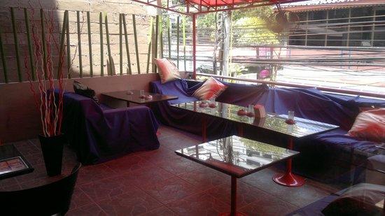 Heaven@4: Lounge area