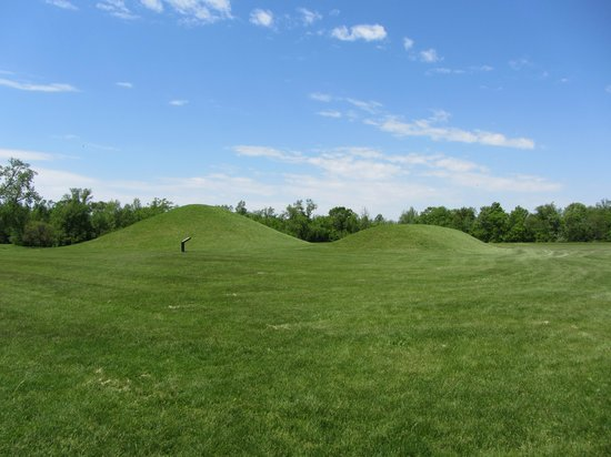 Hopewell Culture National Historical Park: Mounds