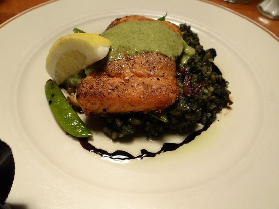 Michaels Seafood and Steakhouse: Salmon