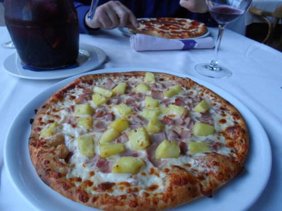 Zian Restaurant and Pizzeria : Tropical Pizza