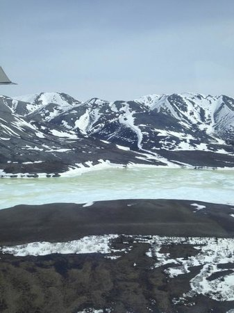 Arctic Backcountry Private Flying Service: Still frozen river