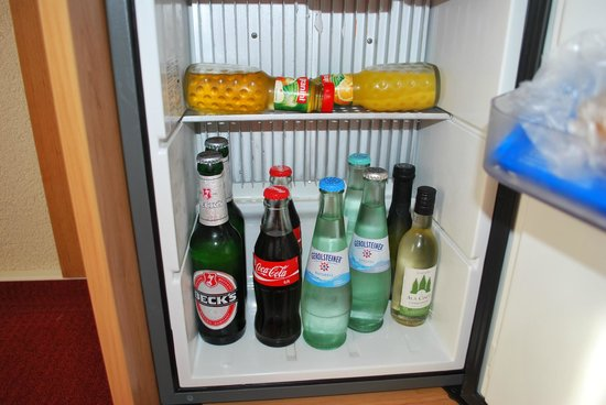NH Berlin Potsdam Conference Center: Minibar