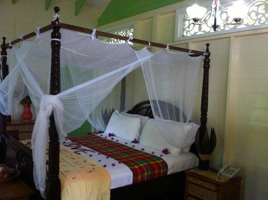 Fond Doux Plantation & Resort : Bed in Hilltop Coconut