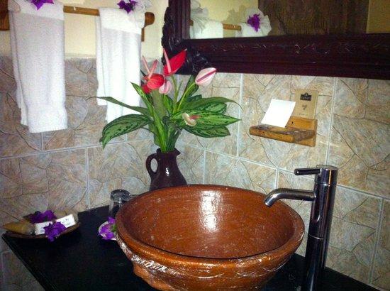 Fond Doux Plantation & Resort : Sink in Hilltop Coconut