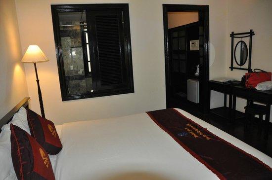 Hoi An Trails Resort: chambre 2 vue salle de bains