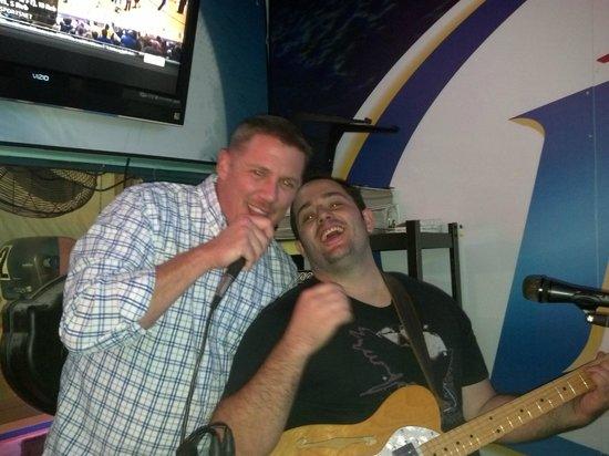 Murphy's Oyster Bar: Live entertainment!!