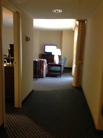 Houston Marriott Westchase: Room entrance