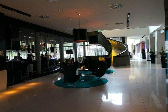 Radisson Blu Hotel, Hamburg : Lobby