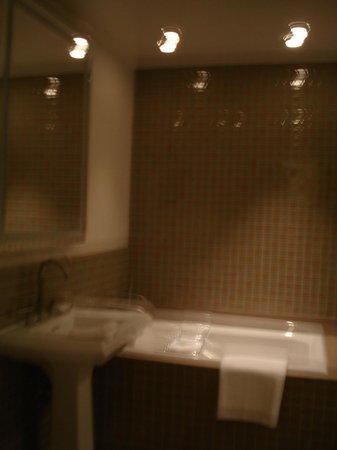 Hotel Adagio, Autograph Collection: Penthouse Bathroom2
