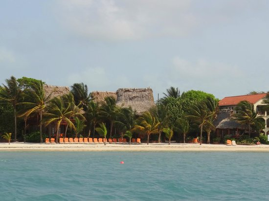 Ramon's Village Resort: From the dock, looking at Honeymoon suite to the far right