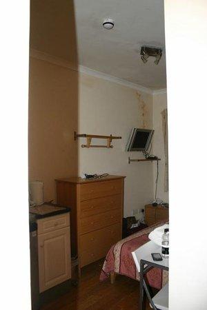 Dylan Apartments Paddington: Vista desde la puerta de entrada