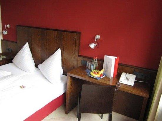 Hotel Westend: Room